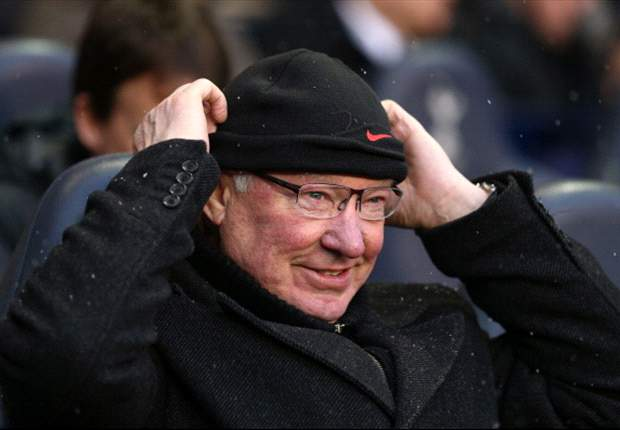 Sir Alex Ferguson sets 25-goal targets for Rooney, Van Persie and Chicharito