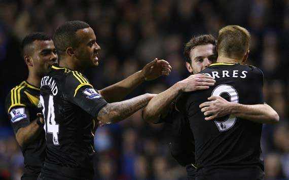 EPL, Reading v Chelsea, Juan Mata, Fernando Torres, Ryan Bertrand and Ashley Cole (L)