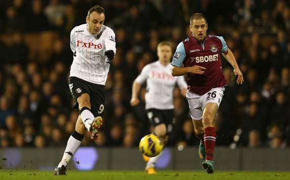 Hamstring injury rules Fulham striker Berbatov out of Manchester United clash