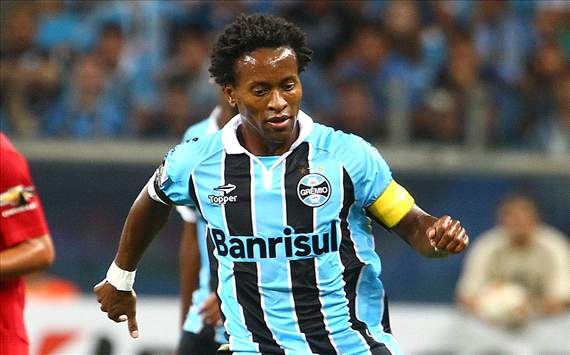 The number 10 position is dead, says Ze Roberto