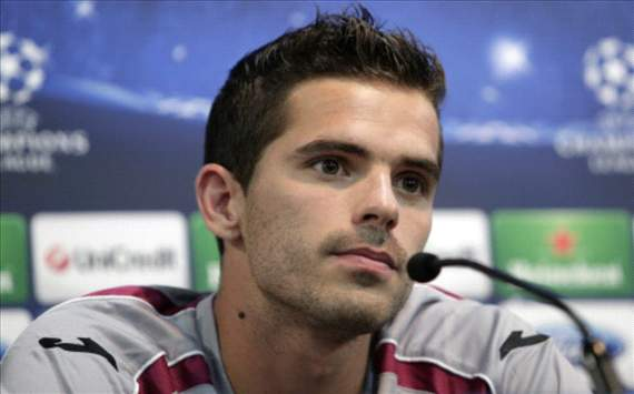 Gago happy at Velez Sarsfield move despite supporting Boca Juniors