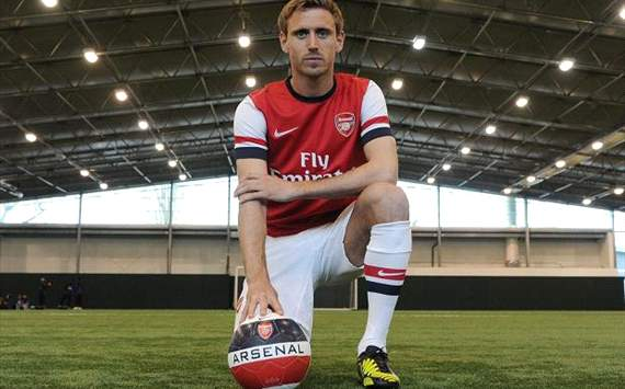 Cazorla helped persuade me to move to Arsenal, says Monreal