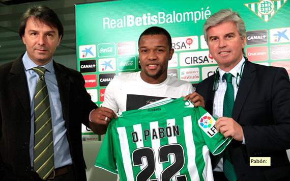 Dorlan Pabn, contento por estar en el Betis
