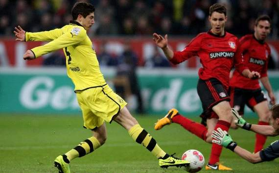 Germany: Bayer Leverkusen - Borussia Dortmund, Robert Lewandowski