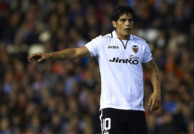 From late-night parties to running over his own foot – the wild ways of Ever Banega