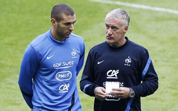 Should France keep faith in 'useless' Benzema?