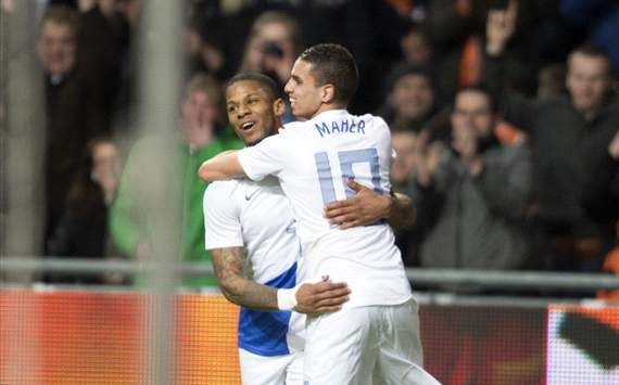Jeremain Lens and Adam Maher celebrate goal (Netherlands vs Italy)