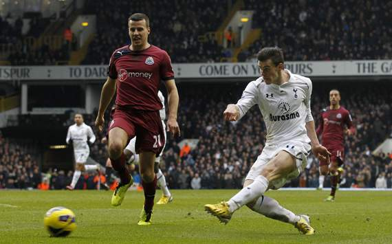 Bale is up there with Messi and Ronaldo, insists Villas-Boas