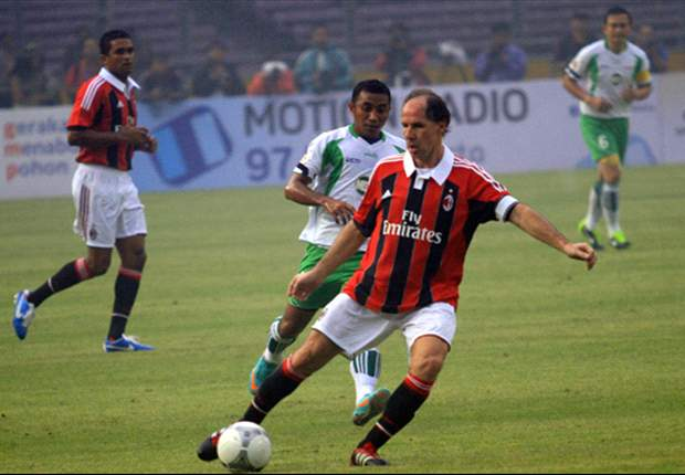 AC Milan Glorie Sikat Indonesia All Star Legend