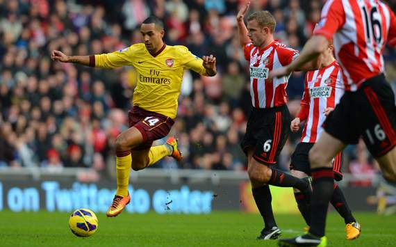 Walcott confident Arsenal will finish in the top four