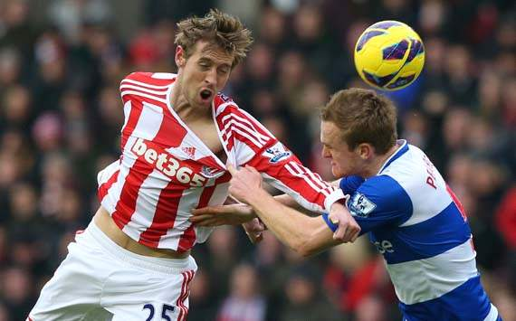 EPL, Stoke City v Reading, Peter Crouch, Alex Pearce