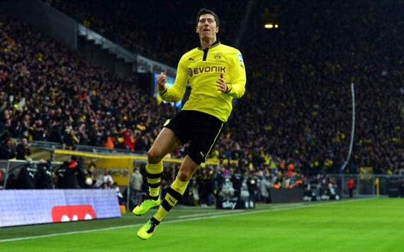 Lewandowski agent denies Manchester United rumours