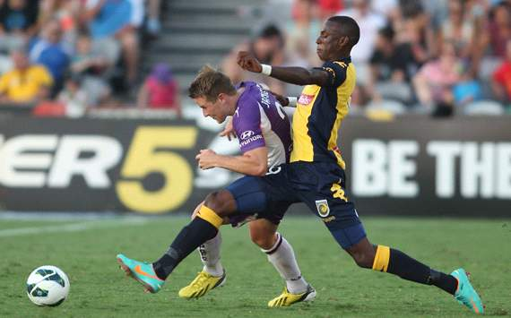Scott Jamieson - Perth Glory - Bernie Ibini - Central Coast Mariners
