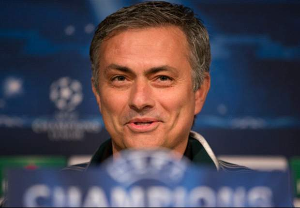 Mourinho will replace Benitez at Chelsea, says Gullit