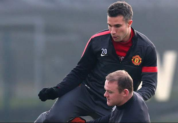 Van Persie is not the brightest, says Manchester United strike partner Rooney