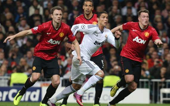 Gc chin thut trn Real Madrid 1-1 Manchester United: Cuc u tr cng thng ca hai bc thy