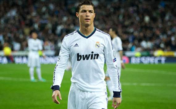 Ronaldo denies Madrid renewal