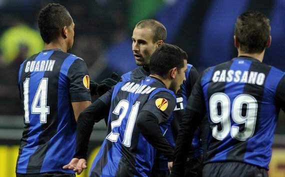 Inter players celebrate against Cluj