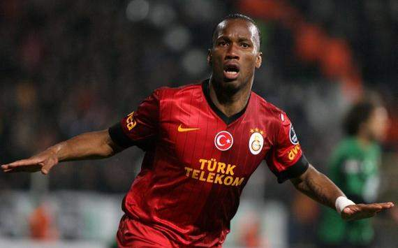 Didier Drogba celebrates his goal against Akhisar Belediyespor