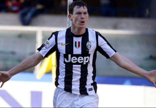 Lichtsteiner: Napoli clash will not decide Scudetto race