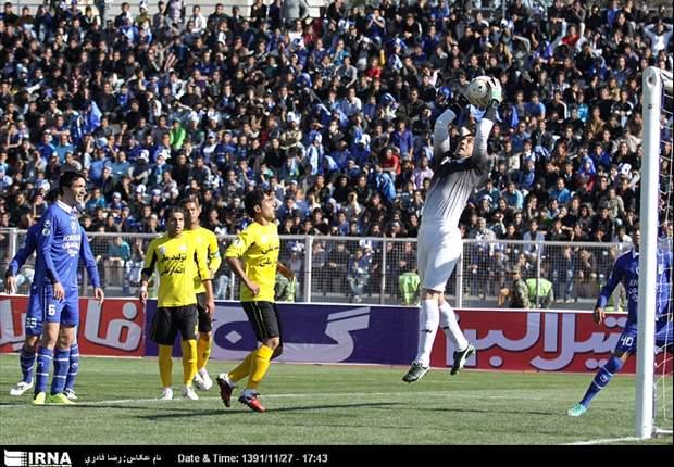 گزارش زنده: استقلال تهران 4 - فجرسپاسی 2