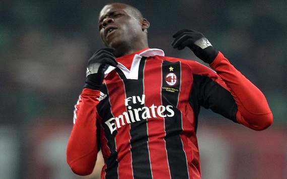 Berlusconi warns 'phenomenal' Balotelli to behave
