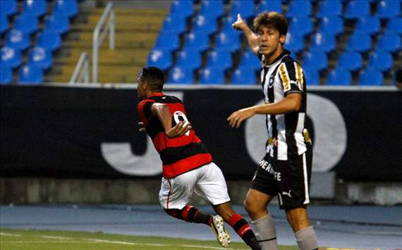 Flamengo 1 x 0 Botafogo: Hernane usa a canela para determinar a vitria rubro-negra