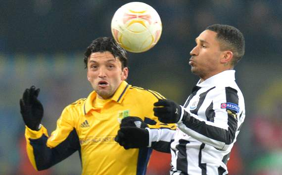 UEFA Europa League - Metalist Kharkiv v Newcastle United, Edmar (L), Sylvain Marveaux