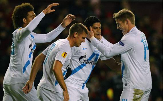 Zenit survive Reds onslaught