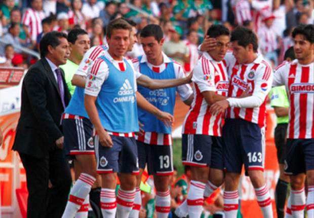 Chivas de Guadalajara recibe advertencia de Veto de Estadio