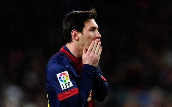 Messi: Abidal's fight is admirable