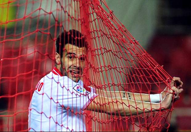 Everton target Negredo will not force Sevilla exit