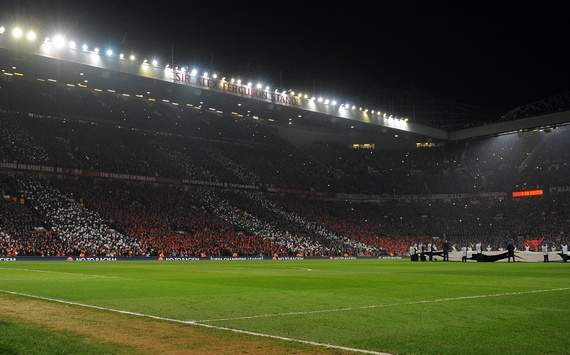 Manchester United to spend £500,000 on new Old Trafford pitch
