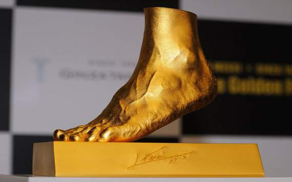 Extra Time: Jeweller creates gold replica of Messi's foot