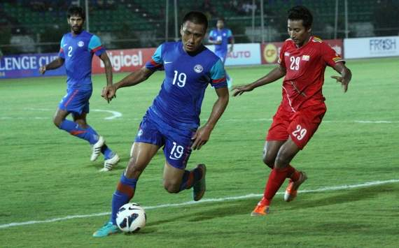 India's qualification hopes hangs by a thread