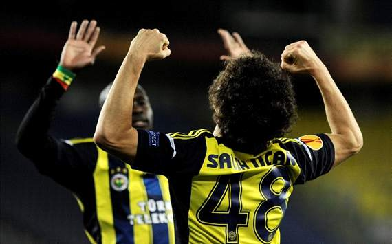UEL: Fenerbahce - Salih Ucan and Moussa Sow celebration