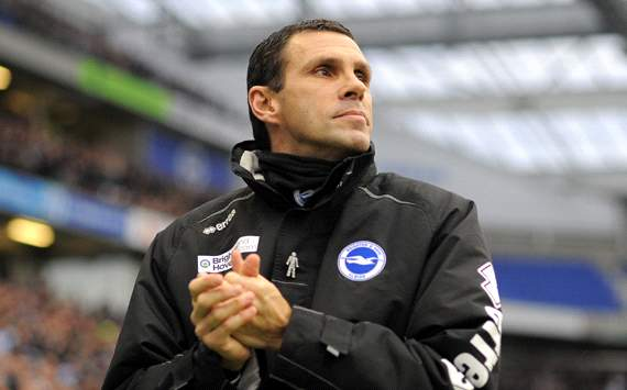 Reading close in on Brighton boss Poyet