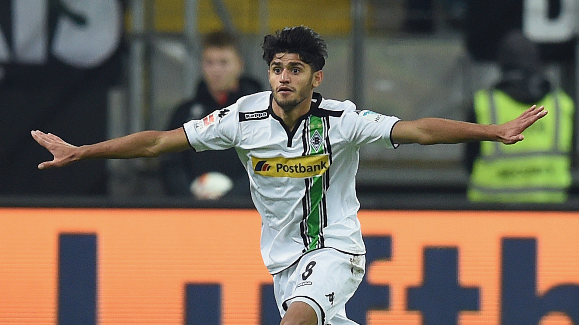 pass master runner and dribbler meet liverpool target mahmoud dahoud. Black Bedroom Furniture Sets. Home Design Ideas