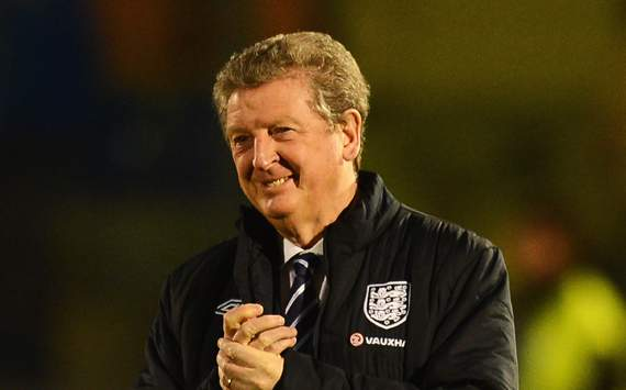 Hodgson laughs off claims England are 'scared'