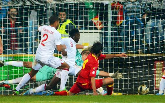 Montenegro maintain England advantage