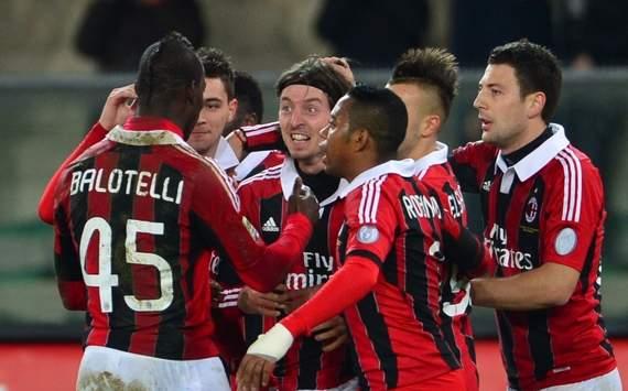 Milan celebrating vs Chievo