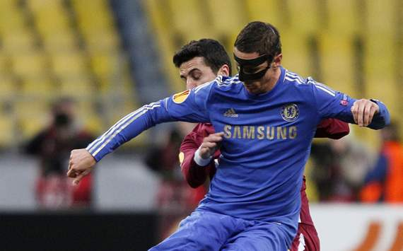 Chelsea limp into Europa semis