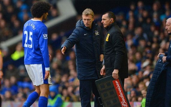 Fellaini hints at Man Utd Moyes reunion