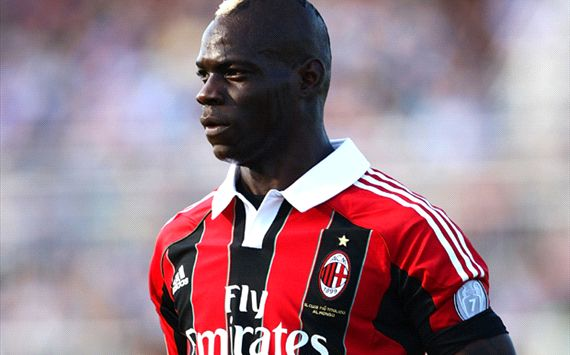 Balotelli warned against anti-racism walk-off