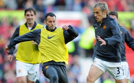 Giggs & Neville Ikut Tangani United