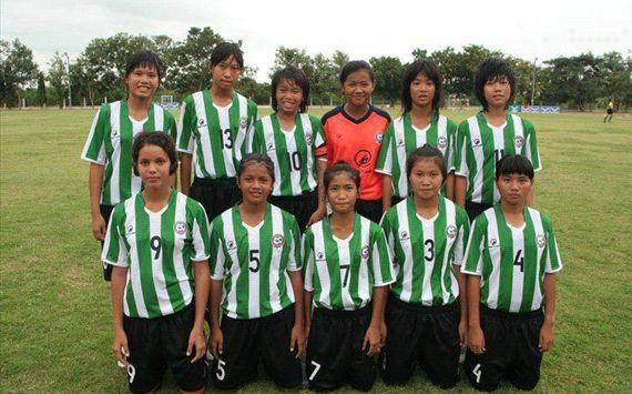 เด่นได้ทุกสนาม พร้อมด้วยบอลหญิงทีมชาติไทย