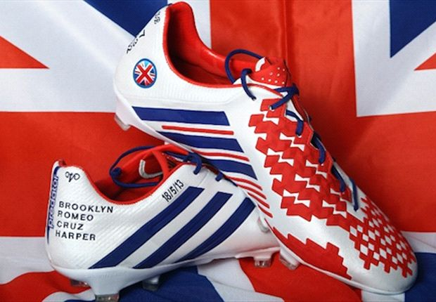 Fitting tribute: Beckham&#39;s custom adidas boots for final Paris Saint-Germain games