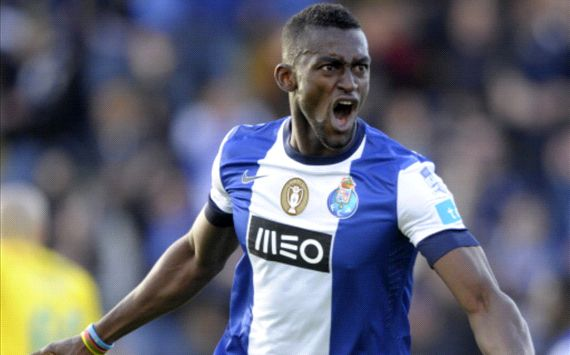 Unbeaten Porto claim Portuguese title