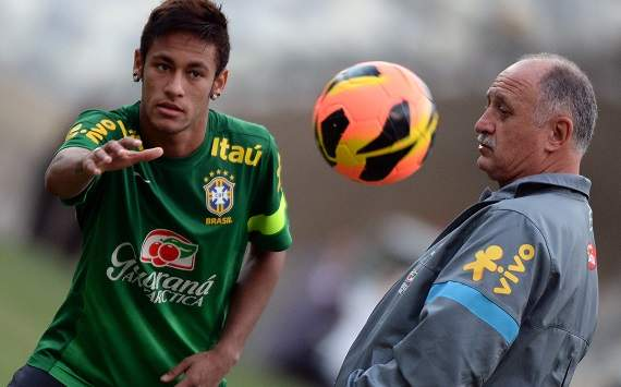 Scolari admits Neymar talks with Barca