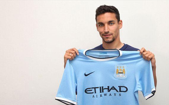 RESMI: Jesus Navas Gabung Manchester City
